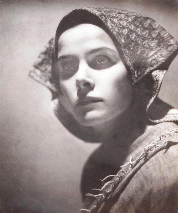 angus-mcbean-the-girl-next-door-1922-1414798007_b